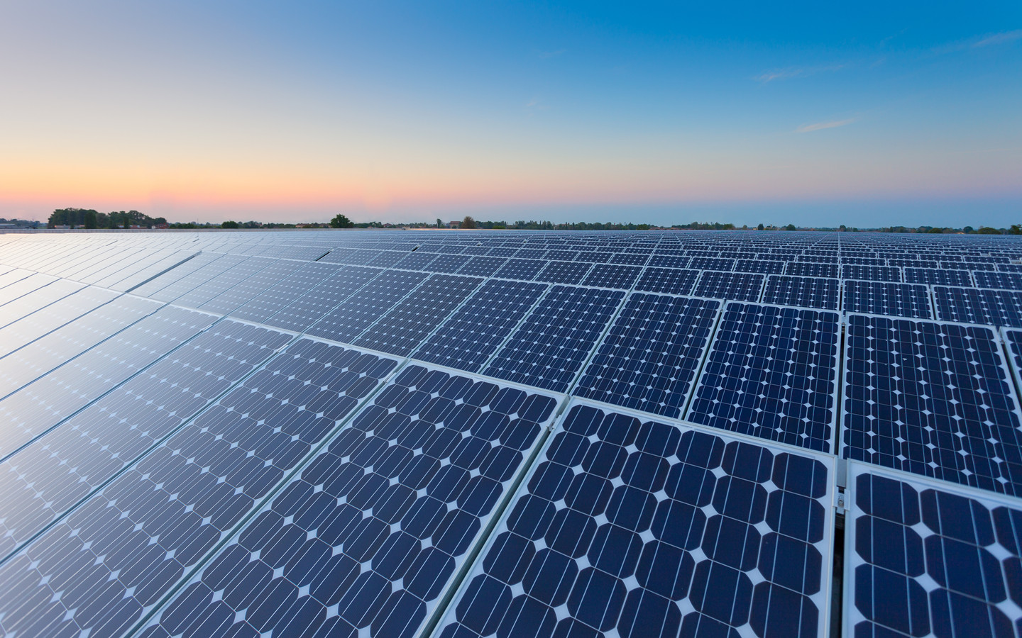 Which is the Best Energy Storage System for Large-Scale Solar Power