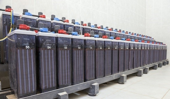 Lead-Acid Batteries for Commercial Use: Pros and Cons
